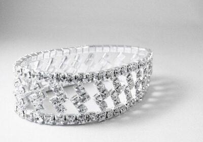 Biżuteria srebrna to doskonały prezent dla każdego